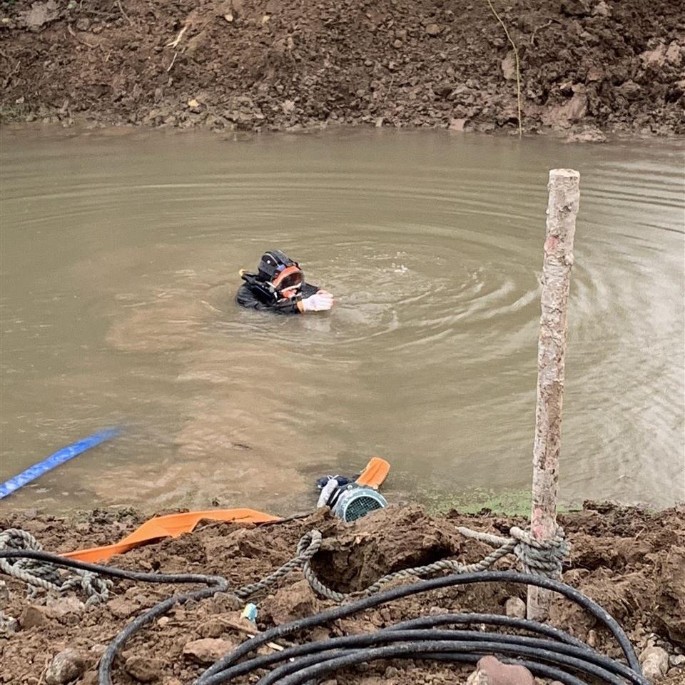迪庆水下打捞施工单位-实力派水下封堵